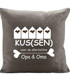 Kus(sen) voor de liefste opa en oma - Moederdag cadeau - Vaderdag cadeau - Cadeau voor opa en oma - Gepersonaliseerde kussen