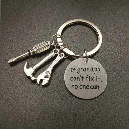 If Grandpa Can't Fix It No One Can - sleutelhanger - Vaderdag cadeau - Cadeau voor papa - Gepersonaliseerd cadeau