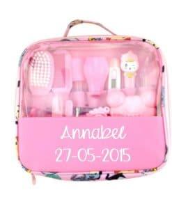 Baby verzorgingstas/ pedicure tas met naam - Nagelschaartje baby - Kraam cadeau - Gepersonaliseerd kraam cadeau - Geboorte cadeau met naam