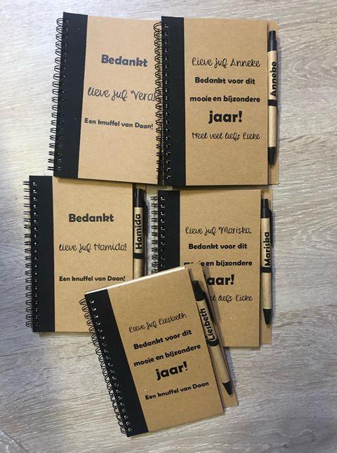 Notitieboekje- gepersonaliseerd - met eigen tekst - Cadeau gepersonaliseerd - Notitieboek gepersonaliseerd met naam - Naam cadeau
