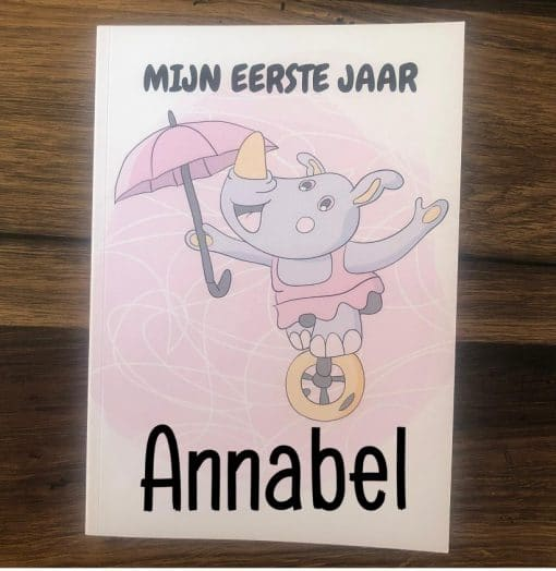 Mijn eerste jaar - Invulboek - Meisje - Neushoorn,Baby's eerste jaar invulboek, Mijn eerste jaar , invulboeken