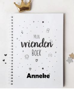 Invulboek || mijn vriendenboek A5 ||Gepersonaliseerd met naam - Invulboek - Vriendenboekje - naam cadeau - Gepersonaliseerd cadeau