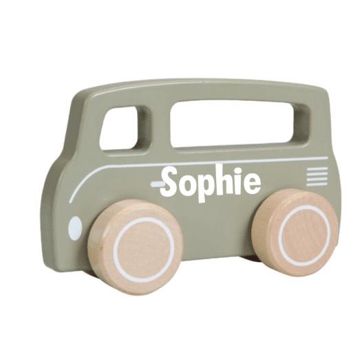Little Dutch - Litte goose - Busje olijft - Met naam- In een mooie olijf kleur rijdt dit Little Dutch busje met zijn stevige, houten wielen vrolijk rond